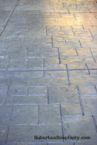 concrete-patio-with-sealer