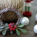 Sparkly Christmas Mini Wreath DIY