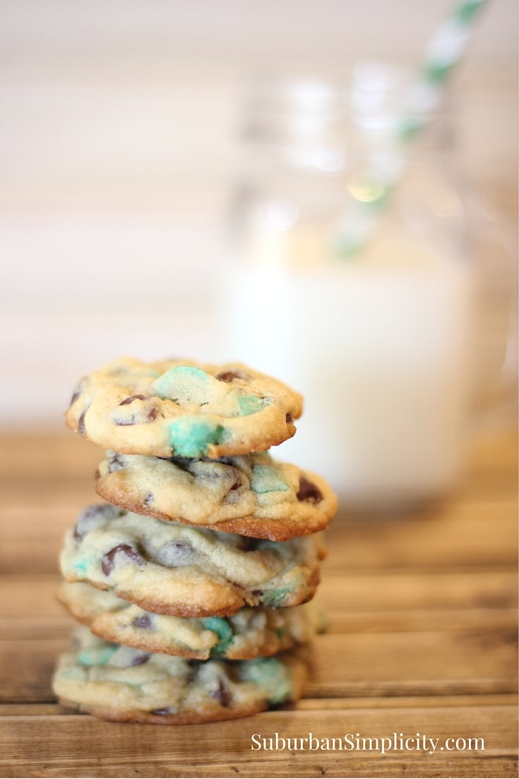 Mint Chocolate Chip Cookie Recipe #cookies