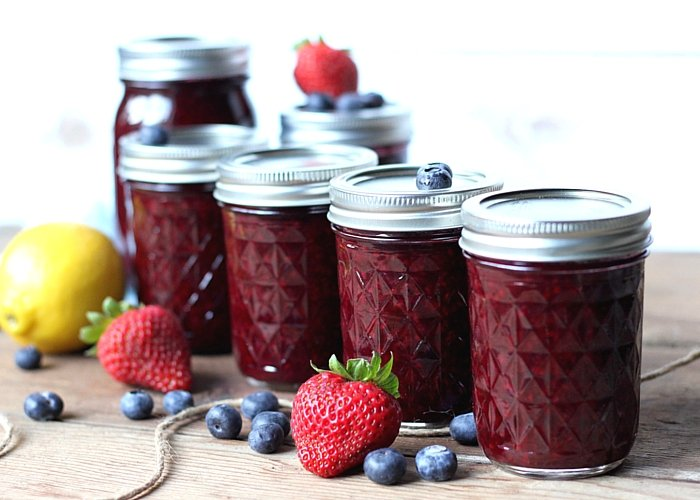 Homemade Mixed Berry Jam - Suburban