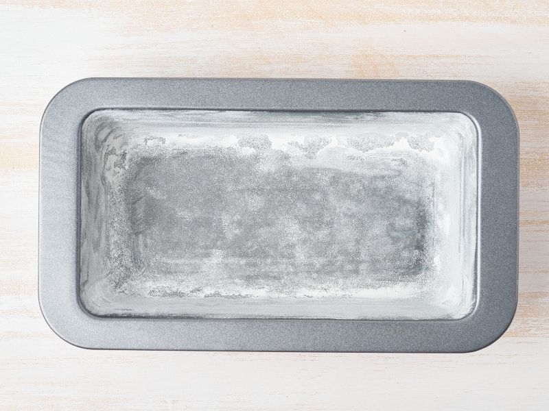 loaf pan for baking bread