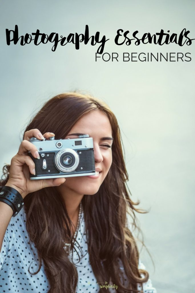 Come learn the Photography Essentials for Beginners. Photography for beginners doesn't require a lot of gear, but from the camera to lenses, there are some things you need to capture the best pictures. #photogearforbeginners