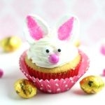 Bunny Cupcakes with a Surprise Inside!