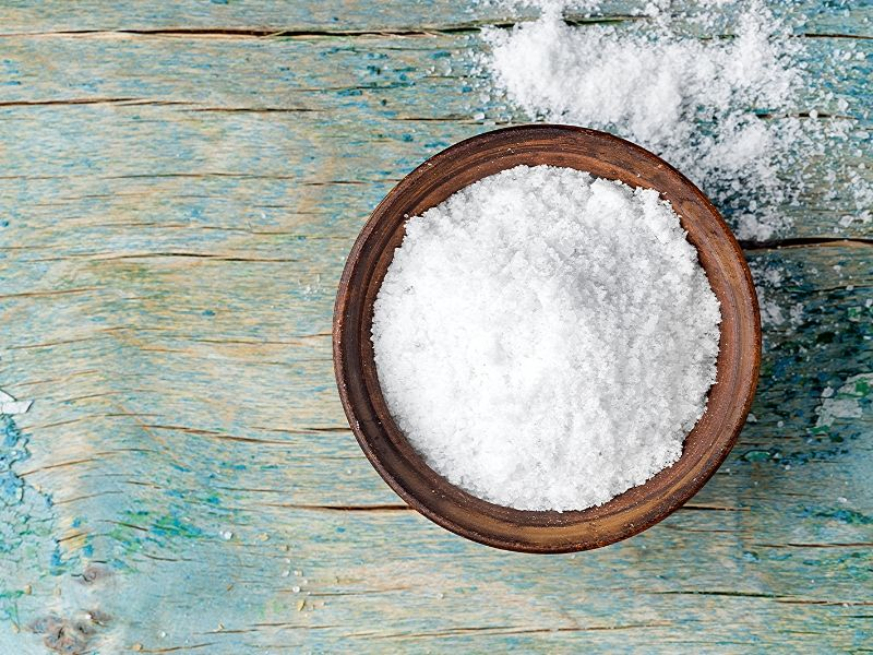 This rejuvenating recipe for peppermint bath salts is an easy and fun DIY! A natural and homemade gift for friends and loved ones or yourself.