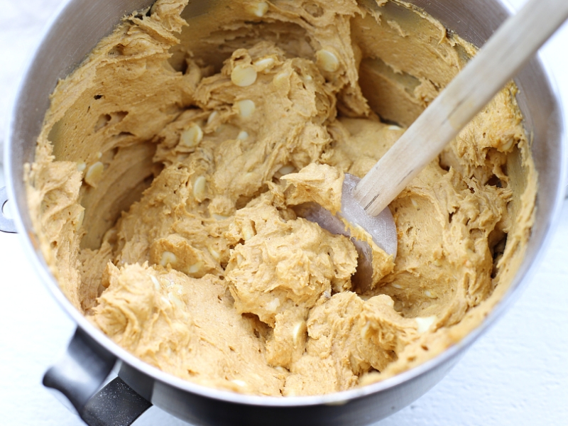 pumpkin spice cookie batter