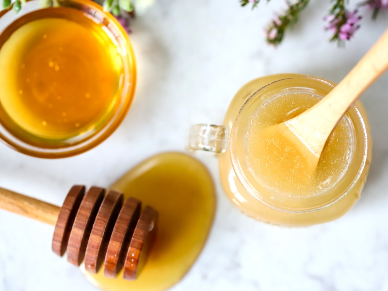 Lip scrub with honey.