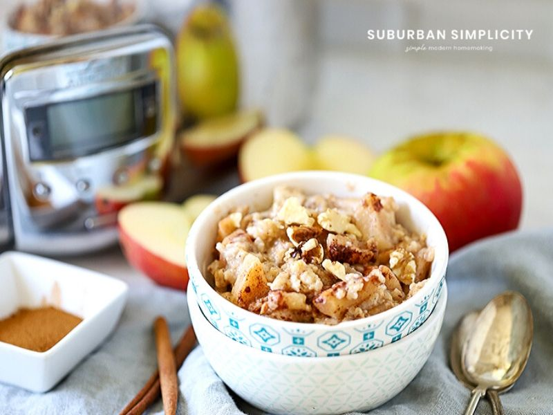 Apple Cinnamon Crockpot Oatmeal is loaded with apples and spice and is an easy breakfast. Not just delicious, but healthier than instant!