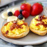 Easy Breakfast Pizza Bagels