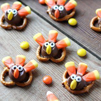 Thanksgiving treats - Candy pretzel turkey bites