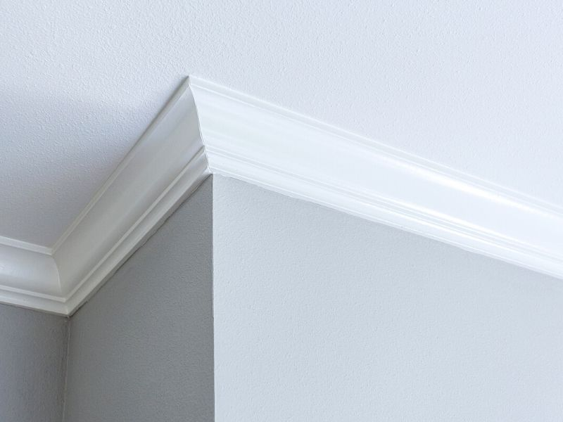 wood molding to be cleaned